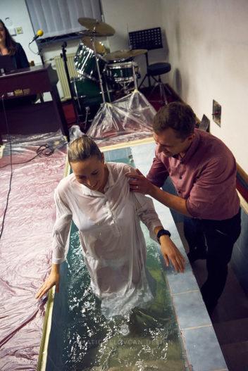 20 2 16–0241  MJ10875 web 352x527 - 6 Baptisms