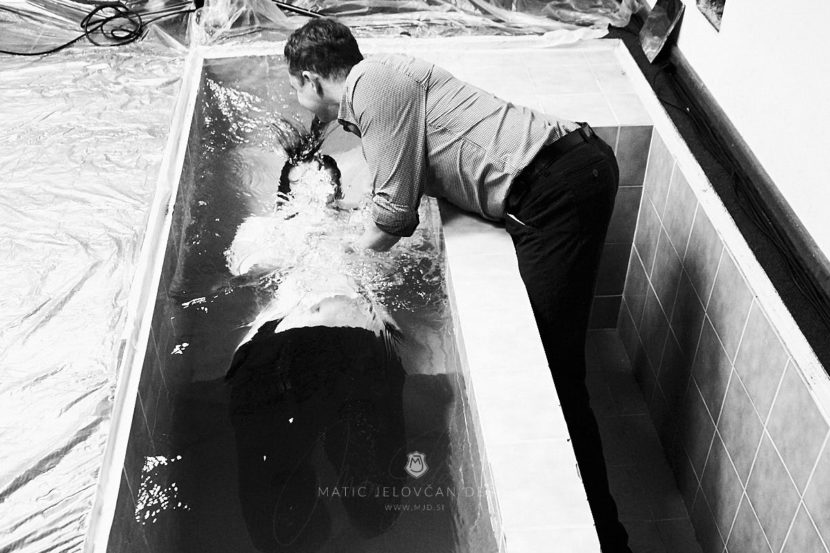 20 2 16–0245  MJ10885 web 830x553 - 6 Baptisms